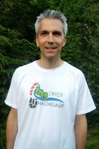 Carsten Dickhut zuständig für den Programmablauf, die Schulen, Werbung und Marketing Tel. 0176 54103393